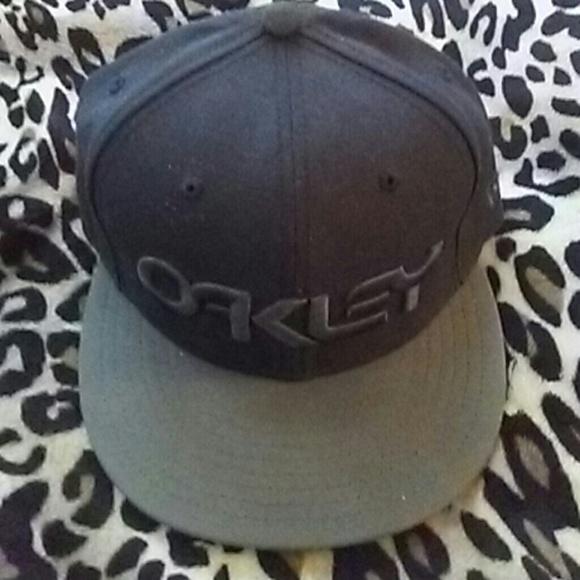 b0b994a4a92 Oakley Factory Pilot new era team hat